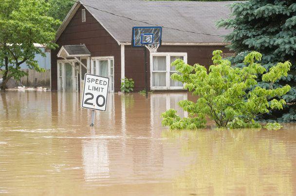 Een woning renoveren? Dan raden we je aan om rekening te houden met eventuele waterschade, er zijn behoorlijk wat problemen zichtbaar in veel woningen